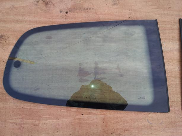 peugeot 307 3dr rear quater glass