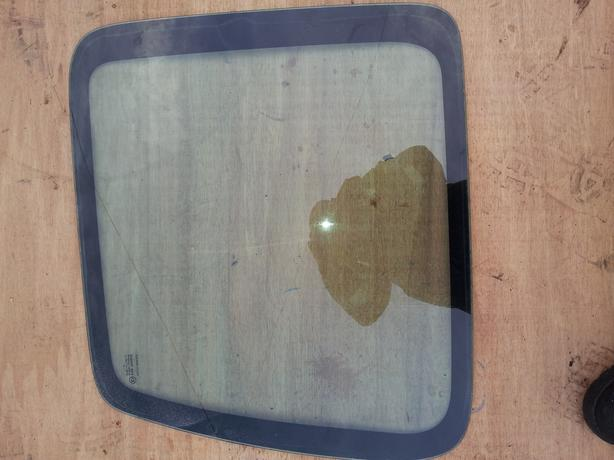 citroen berlingo/peugeot partner rear door glass