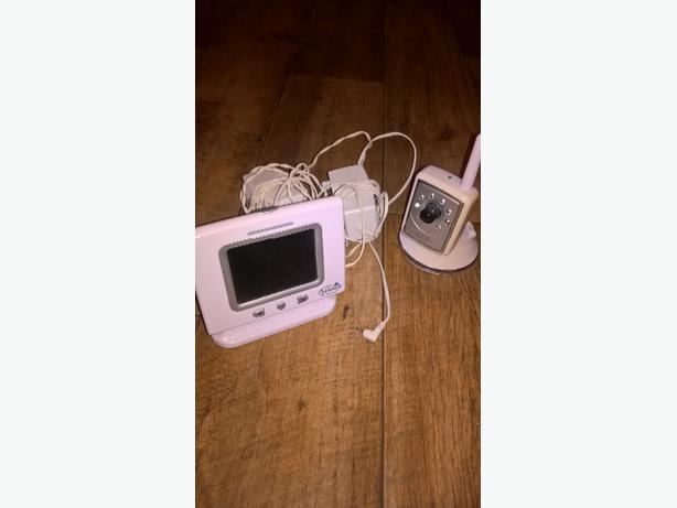 camera baby monitor.