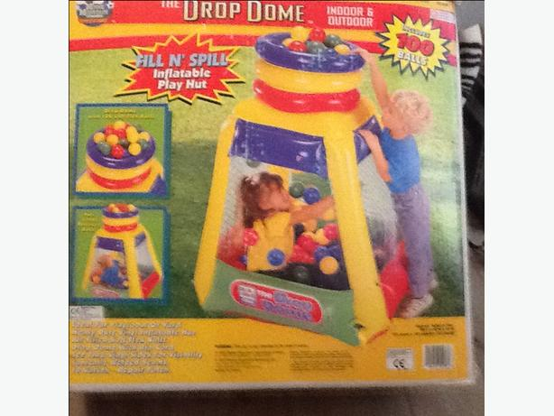 Blow up ball drop pit