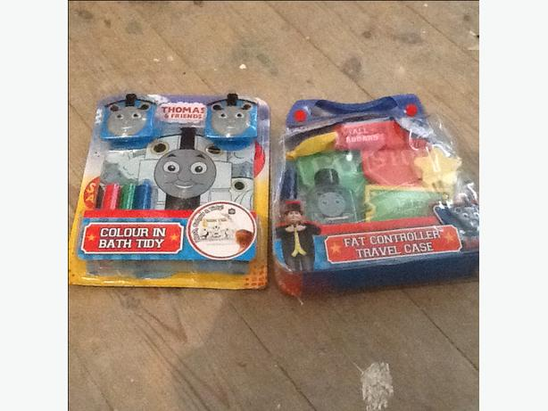 2x thomas the tank bath gift sets outside black country for Thomas the train bathroom set