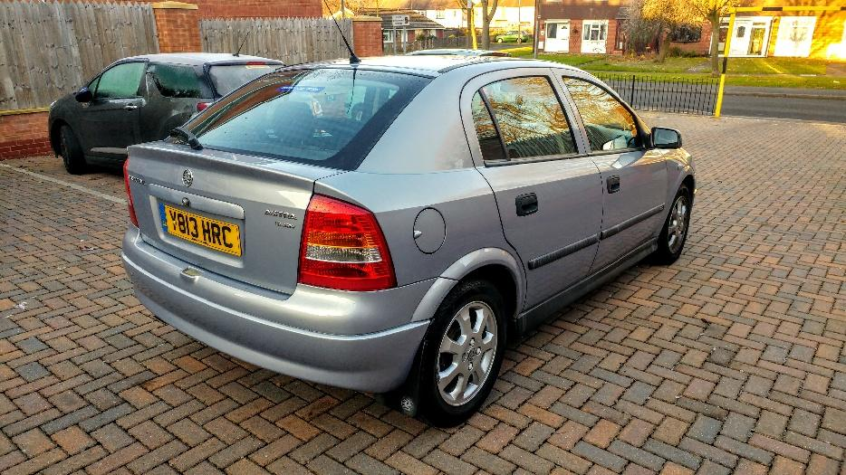 vauxhall astra 1 6cd only 79k full service in mint condition as new dudley  dudley 2002 Renault Laguna Estate Renault Laguna 2002 Inside