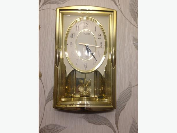 GOLD CLOCK ********OPEN TO OFFERS******