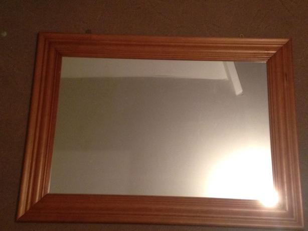 WOODEN MIRROR GOOD CONDITION ************ OPEN TO OFFERS*********