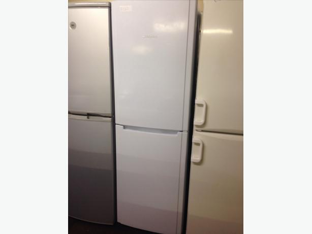 WHITE HOTPOINT FRIDGE FREEZER8