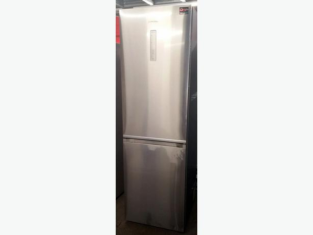 SAMSUNG SILVER FRIDGE FREEZER + WARRANTY