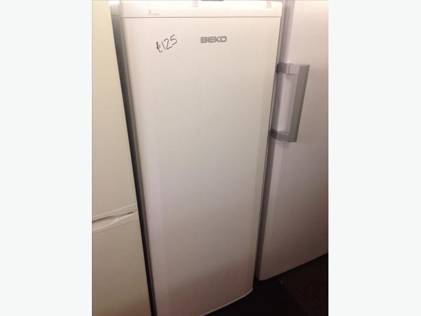 A CLASS WHITE BEKO 5 DRAWERS FREEZER