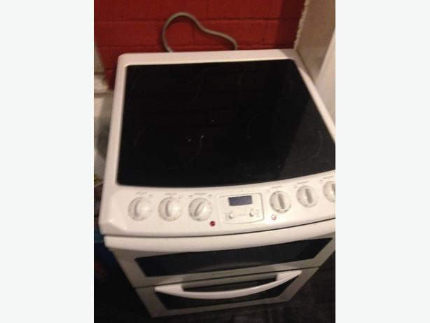 Electric Electrolux hob with oven and grill