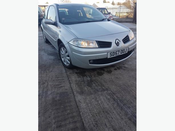 Renault Megane 1.6 VVT Dynamique 5dr