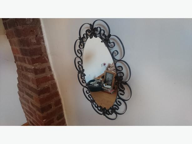 VINTAGE 1950S ORNATE WROUGHT IRON OVAL WALL HANG MIRROR G/C