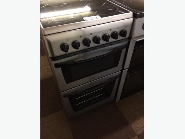 INDESIT 50CM ELECTRIC COOKER CERAMIC TOP