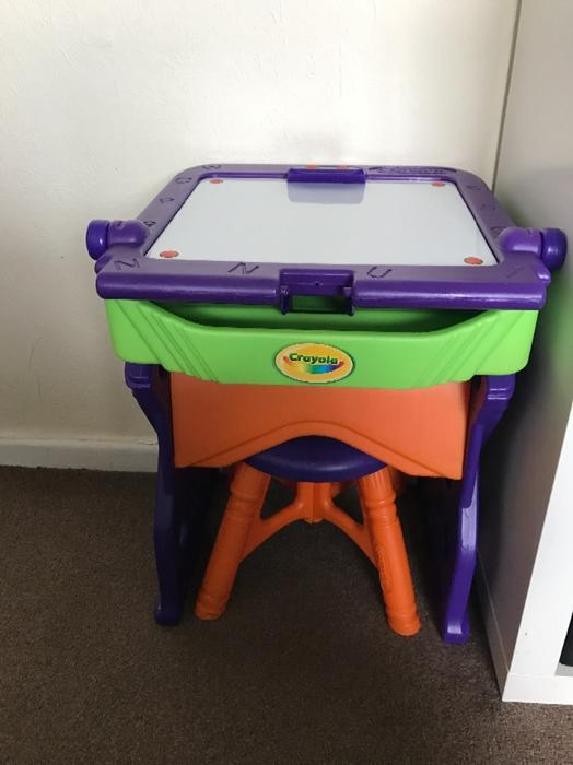Crayola Table Easle And Stool Willenhall Dudley