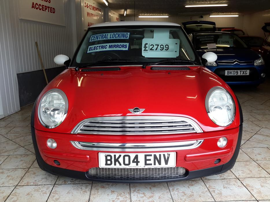 2004 mini cooper 1 6 superb condition full mot included wednesbury dudley. Black Bedroom Furniture Sets. Home Design Ideas