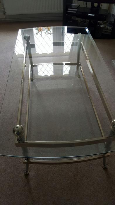 Beautiful Set Of 3 Expensive Glass Coffee Tables Pendeford Wolverhampton Sandwell
