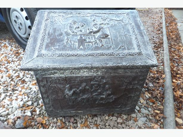 vintage hod box-CIRCA VICTORIAN-  BUYER COLLECT