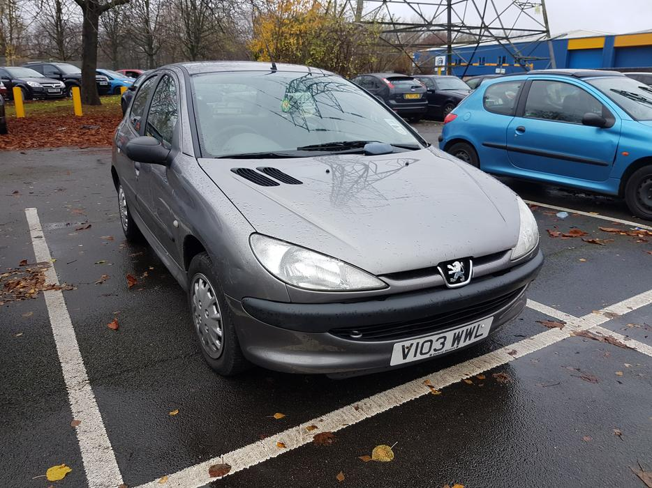 peugeot 206 1 2 petrol mot sept 2017 86000 miles fsh wolverhampton dudley. Black Bedroom Furniture Sets. Home Design Ideas