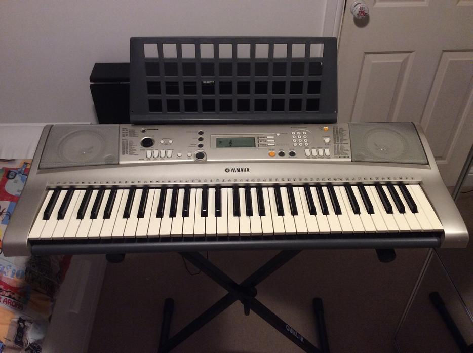 Yamaha psr e313 keyboard with stand and variety of music for Yamaha psr stand