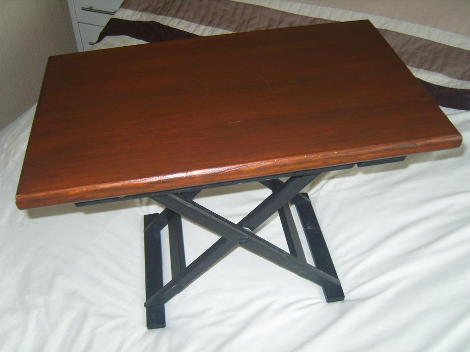 Small wood folding table ideal game table or eating off for Small eating table