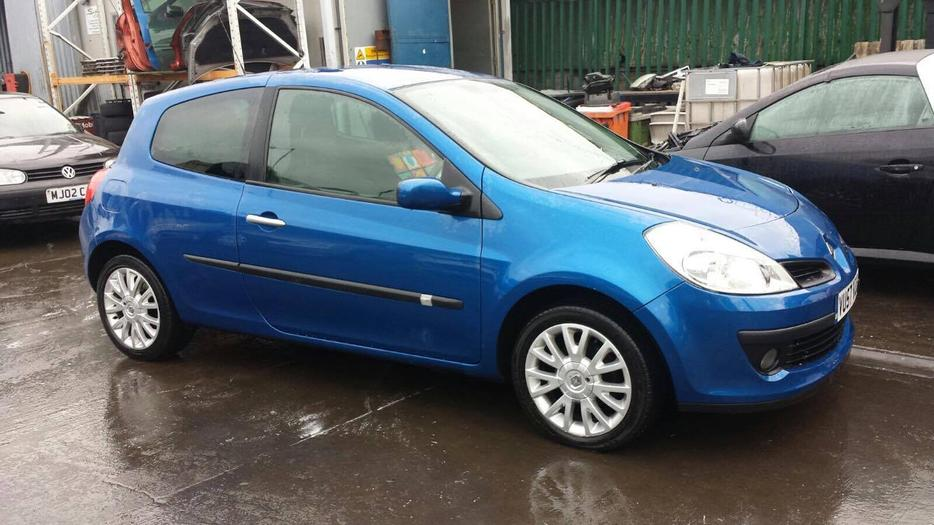 renault clio 1 2 turbo low miles willenhall sandwell. Black Bedroom Furniture Sets. Home Design Ideas