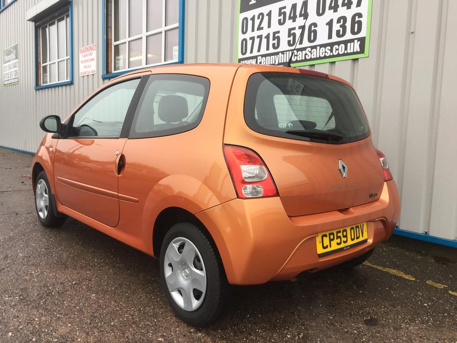 2010 renault twingo 1 1 extreme 12 months mot oldbury dudley. Black Bedroom Furniture Sets. Home Design Ideas