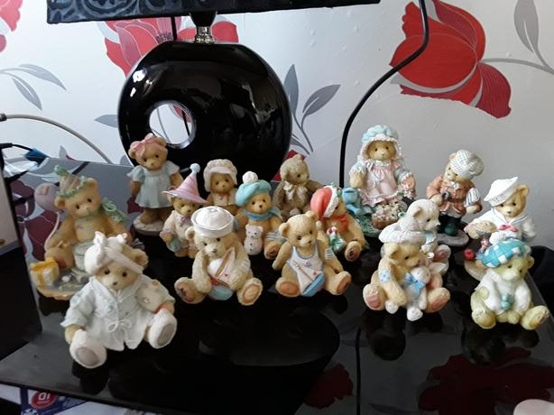 Cherish teddies and plates