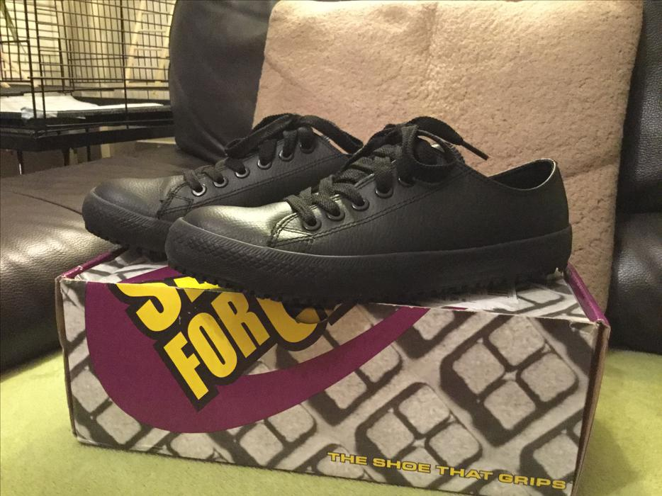 authentic non slip shoes for crews size 6 brierley