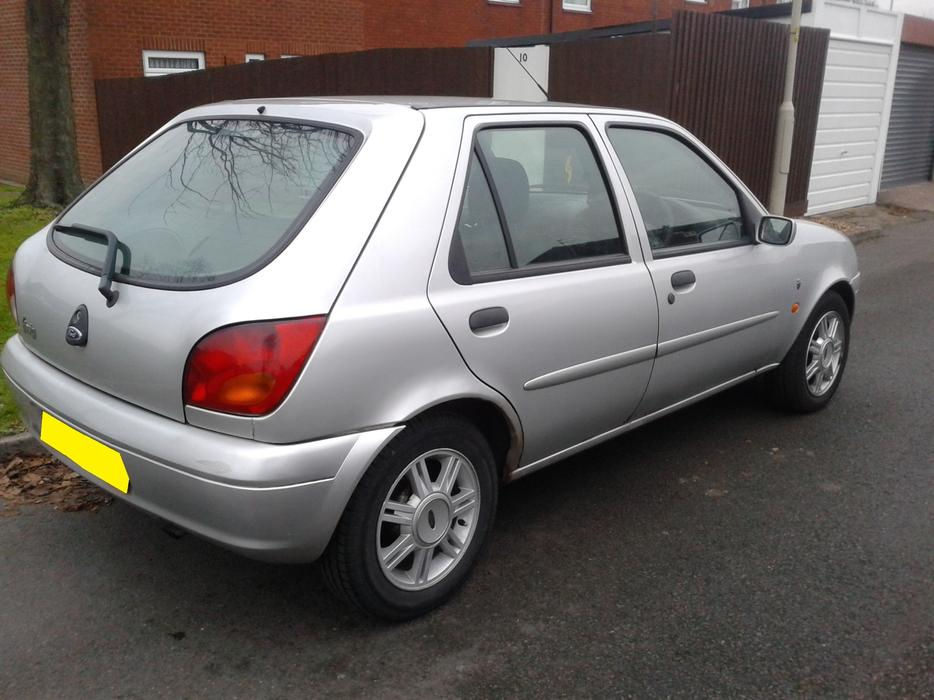 ford fiesta 1 2 ghia 98000 miles 2002 coseley dudley. Black Bedroom Furniture Sets. Home Design Ideas