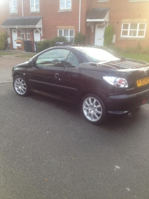 2003 peugeot 206 cc coupe drives mint 81k outside black country region wolverhampton. Black Bedroom Furniture Sets. Home Design Ideas