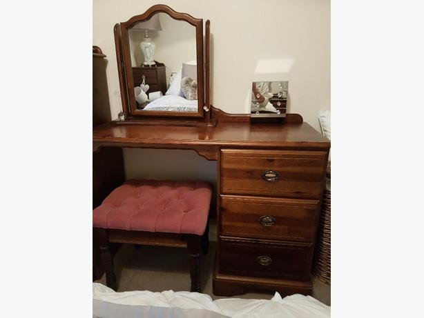 Walnut solid wood bedroom furniture tipton wolverhampton mobile Mobile home bedroom furniture