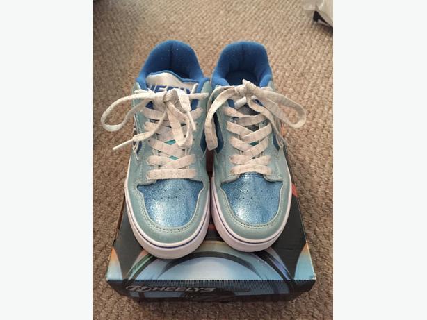 heelys size 2 like new