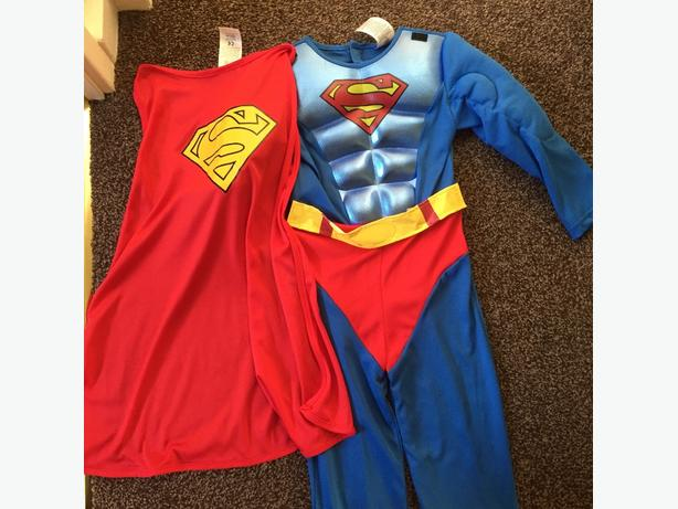 Superman Costume & Cape Age 5-6 years