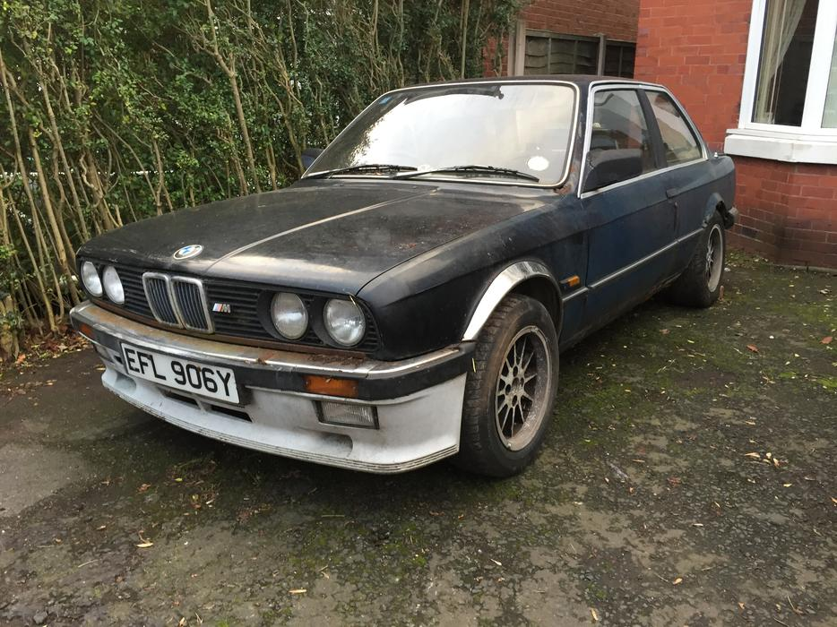 bmw 323i e30 barn find walsall wolverhampton. Black Bedroom Furniture Sets. Home Design Ideas