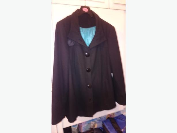 ff0bb525977 black coat size 18 Bloxwich