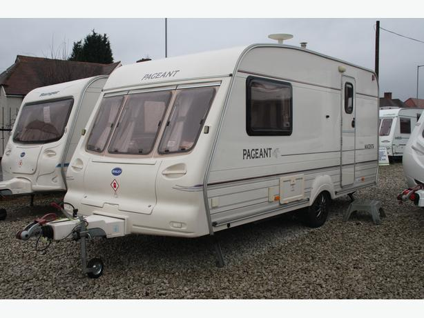 BAILEY PAGEANT MAGENTA TOP OF THE RANGE LUXURY 2 BERTH