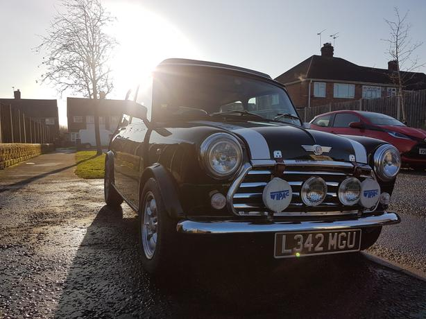 Classic mini cooper lovey condition for a 1994 must see.