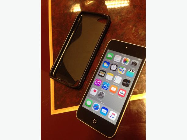 Apple iPod touch (5th generation) 16GB Good Condition with Case Can Deliver