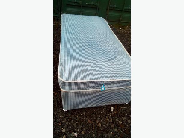 Single bed base + Mattress (DELIVERY)