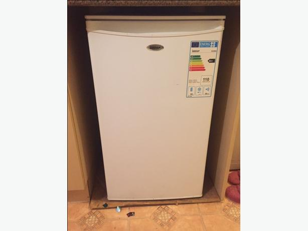 Very Good Condition Fridge (under Counter) White