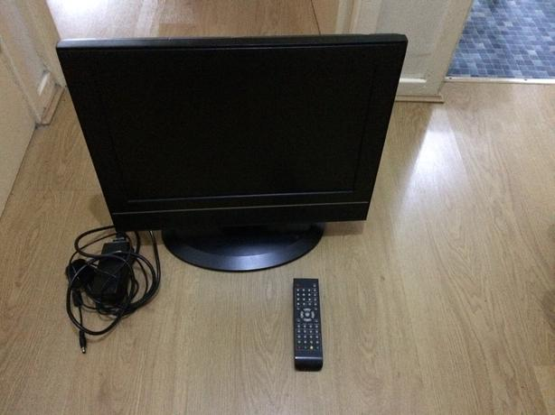 19 inch LCD TV with remote HDMI