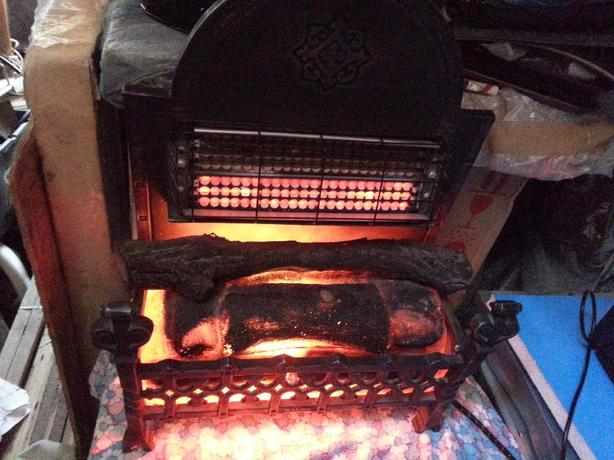 ELECTRIC HEATER BELLING LOVELY CONDITION  £35 ONO