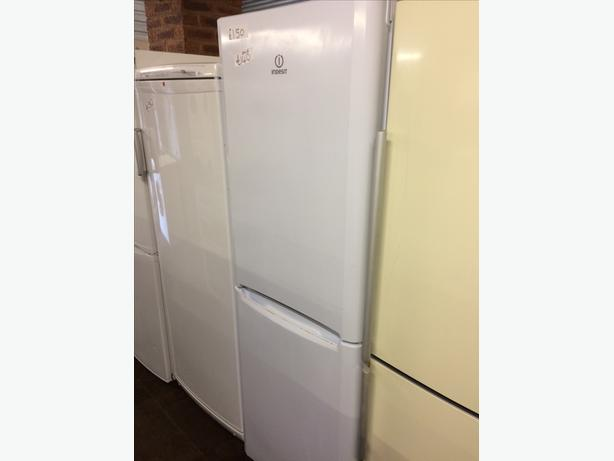 👀INDESIT WHITE FRIDGE FREEZER👀