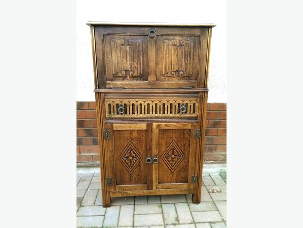 Old Charm / Priory Solid Oak Drink Cabinet.