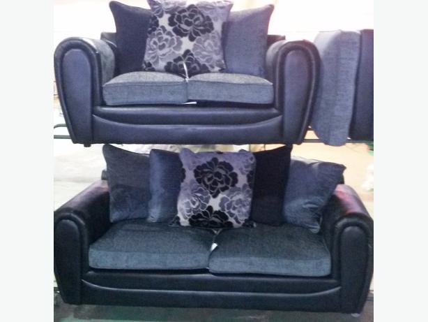 Brand new 3+2 grey/black seaters set
