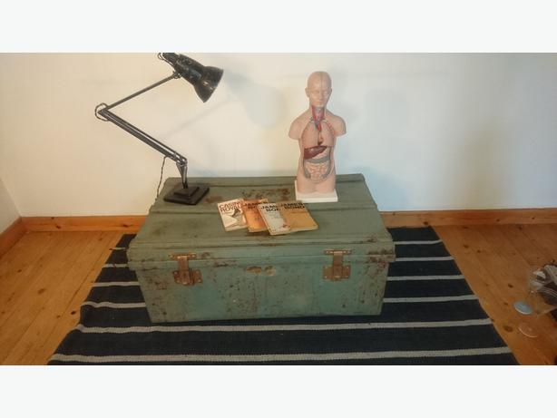 Vintage large metal steamer trunk chest storage industrial decor coffee table stourbridge Metal chest coffee table