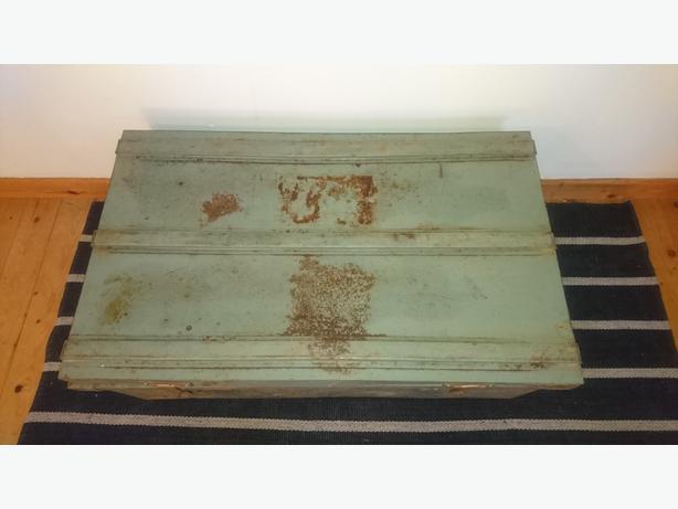 Vintage Large Metal Steamer Trunk Chest Storage Industrial Decor Coffee Table Stourbridge