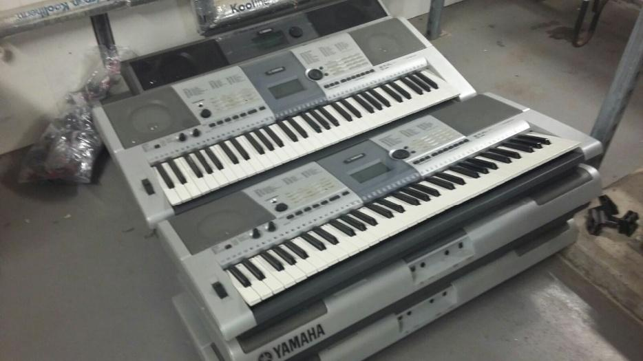 yamaha electric keyboards halesowen dudley. Black Bedroom Furniture Sets. Home Design Ideas
