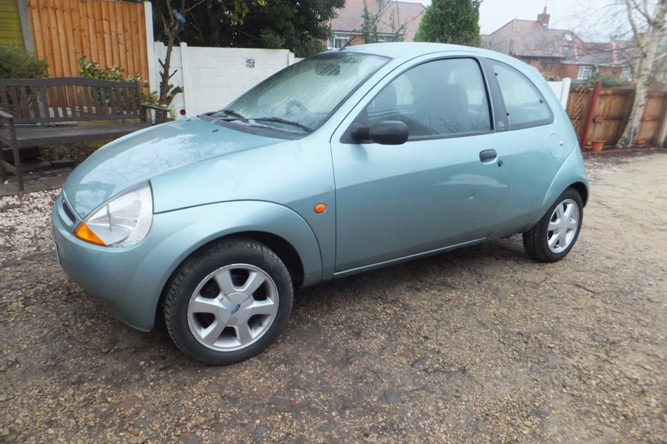 ford ka 1 3 x reg 2000 mot feb 11th service history. Black Bedroom Furniture Sets. Home Design Ideas