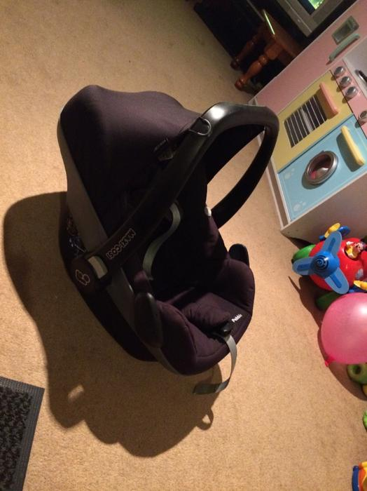 maxi cosi car seat new born dudley sandwell mobile. Black Bedroom Furniture Sets. Home Design Ideas