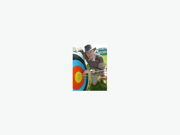 """WOODLAND CRAFT COURSE """"MAKE YOUR OWN ENGLISH LONGBOW"""