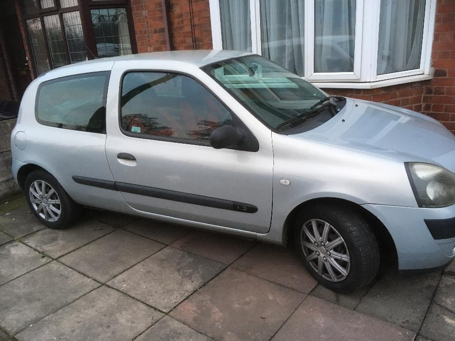 2002 renault clio 1 2 3dr 6mnths mot willenhall dudley. Black Bedroom Furniture Sets. Home Design Ideas